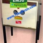Jual Mesin Penetas Telur Manual 50 Butir (EM-50) di Malang
