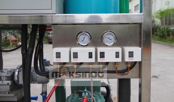 Mesin Es Tube Industri 1 Ton (ETI-01) 6 tokomesin malang